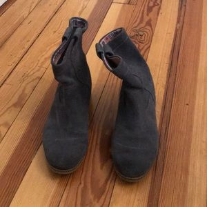 Toms western suede 8.5 boots